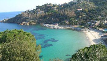 Vista panoramica della Spiaggia delle Cannelle, Isola del Giglio