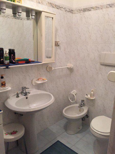 Foto bagno dell'Appartamento Gabriella - Appartamenti Giglio Porto in vendita