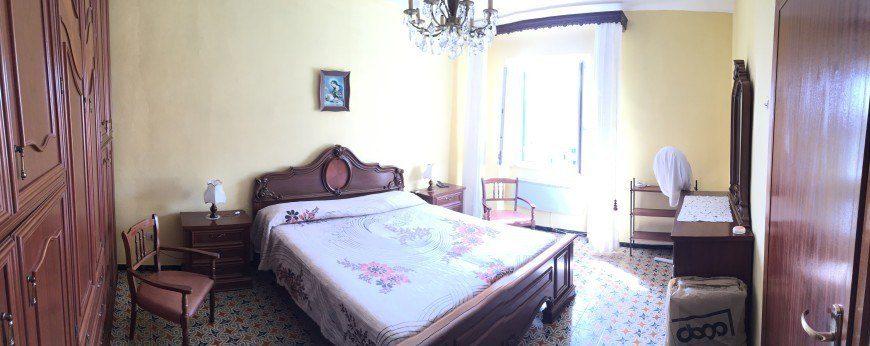 Camera da letto dell'Appartamento Gabriella - Appartamenti Giglio Porto in vendita