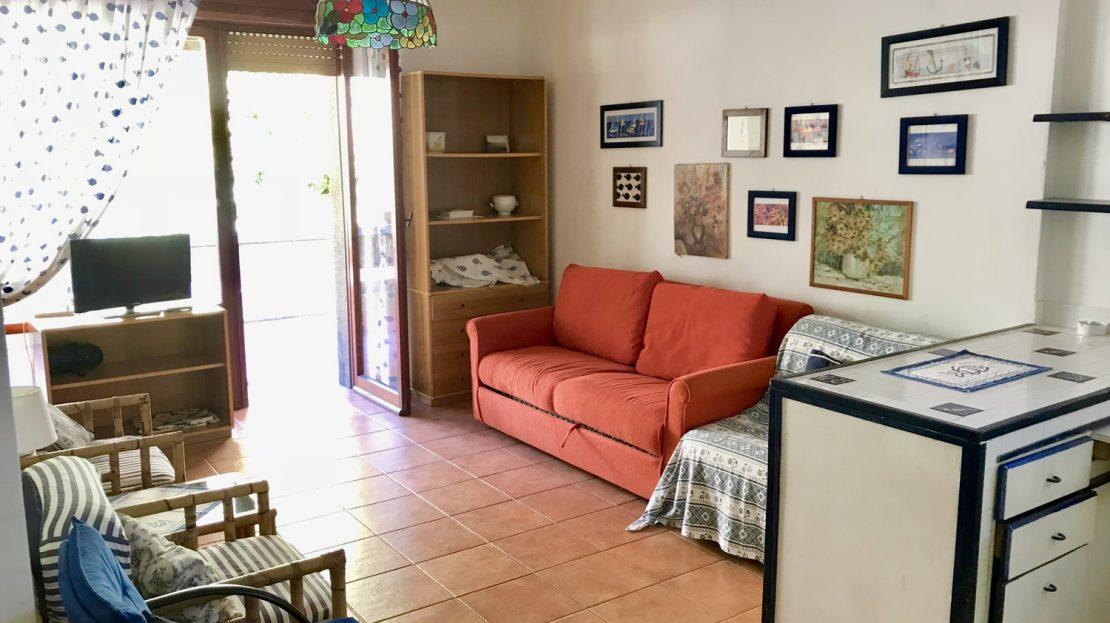 Foto della zona soggiorno scattata all'appartamento Serena in Vendita a Cannelle Isola del Giglio