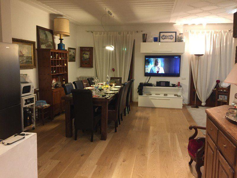 Sala da pranzo arredata in bifamiliare appartamento in vendita a Grosseto, Via Sardegna