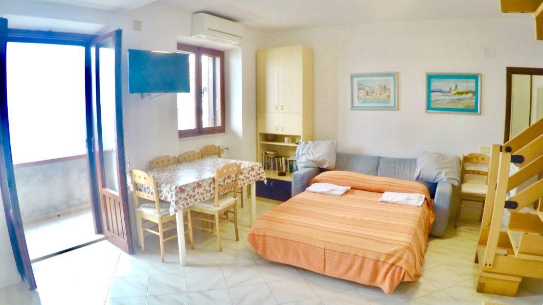Interni del trilocale Saraceno 2 in affitto a Giglio Porto