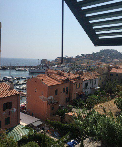 Vista di Giglio Porto dall'appartamento Gabriella in vendita ad Isola del Giglio