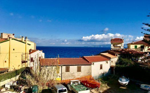 Panorama esterno da terrazzo situato in trilocale in vendita a Giglio Porto