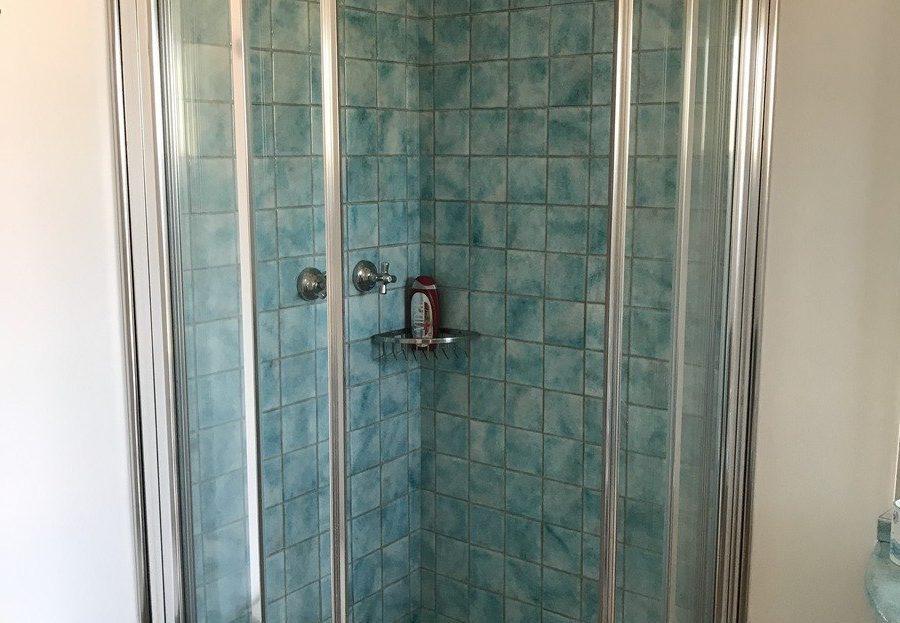 Box doccia del Trilocale Giulia in affitto a Giglio Porto
