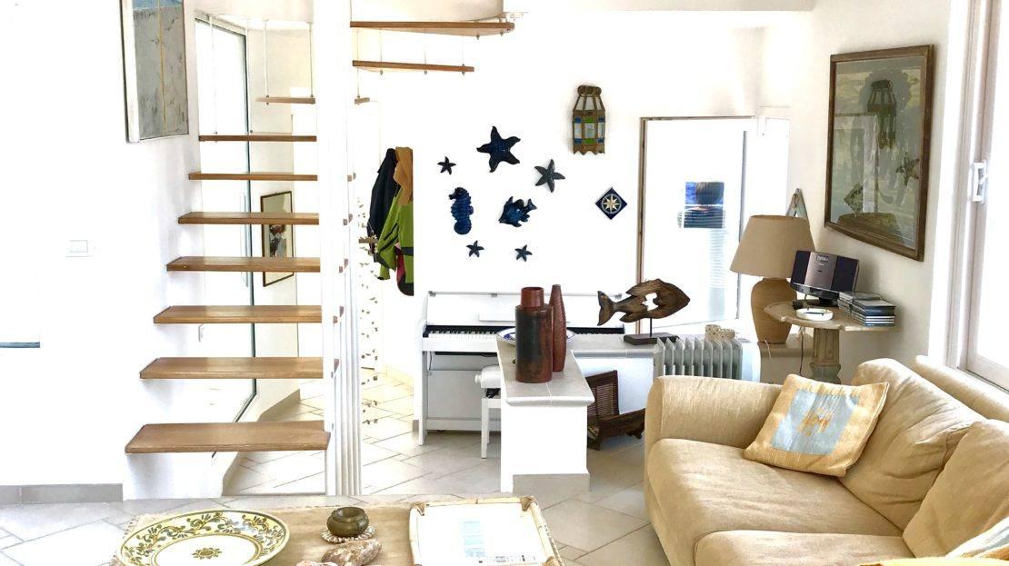Trilocale Giulia in Affitto a Giglio Porto, porzione area living room