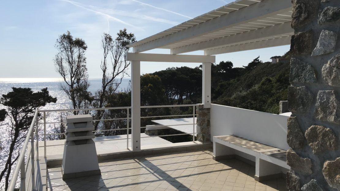 Splendido terrazzo esterno con vista mare nel Trilocale Giulia in affitto a Giglio Porto