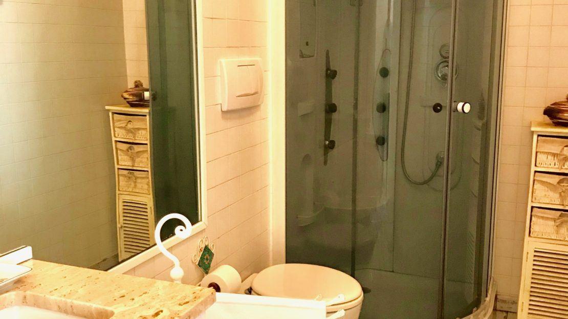 Box doccia in appartamento Alice in vendita a Giglio Campese, loc. Isolella