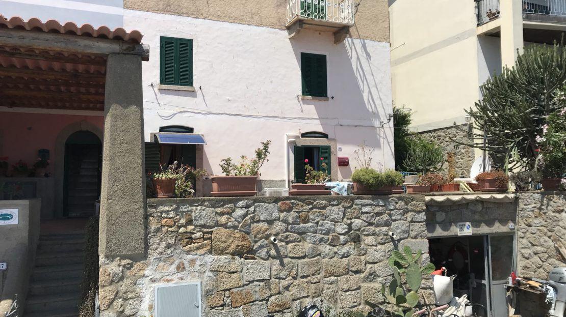 Bilocale in vendita a Giglio Porto, con piano rialzato, foto panoramica esterna
