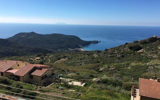 Panoramica della costa del Giglio, scattata dal trilocale vista mare in vendita a Giglio Castello