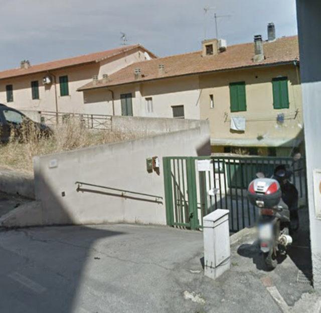 Garage con soppalco in vendita a Porto Santo Stefano € 75.000.00