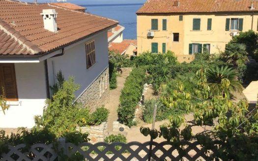 vendita appartamento a Giglio porto ad € 380.000.00