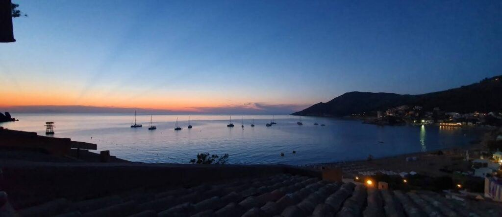 tramonto sulla baia del campese